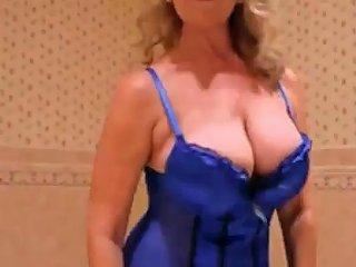 Sexy GILF 2