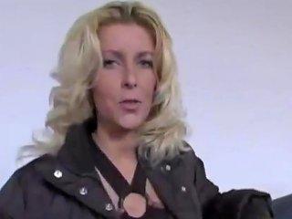 Bijstandsmoeder Wendy Neukt Voor Een Bed Porn Be Xhamster
