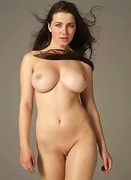Yara Flying High^new Nude City Erotic Sexy Hot Ero Girl Free