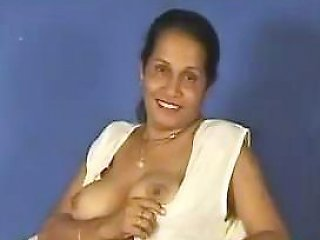 Indian Aunty Showing...