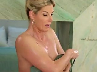 Gorgeous Milf Gives...
