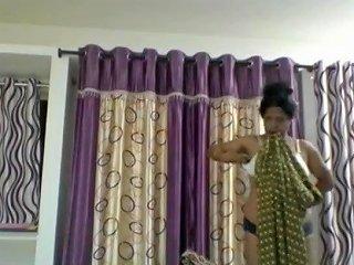 Andra Mom Lakshmi Free...