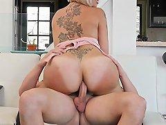 Hot Shemale Bareback With Cumshot Film Clip 4